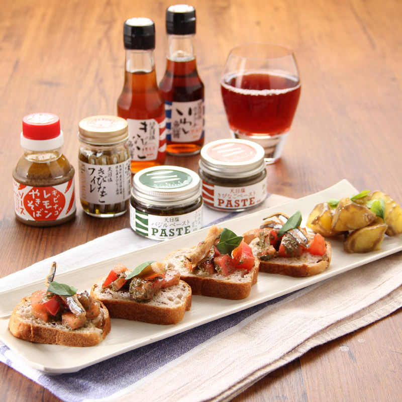 土佐のスローフード調味料〔きびなご(フィレ、ペースト、レモン)、魚醤2種、バジルペースト〕