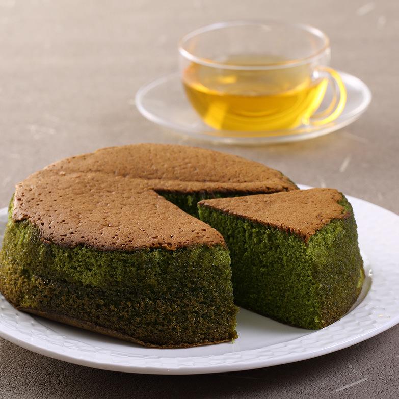 ほんのりした苦味とお茶の豊かな香りが楽しめる、「自家茶園」の新茶を使用した因尾茶のバターケーキ クアンカ・ドーネ・大分県