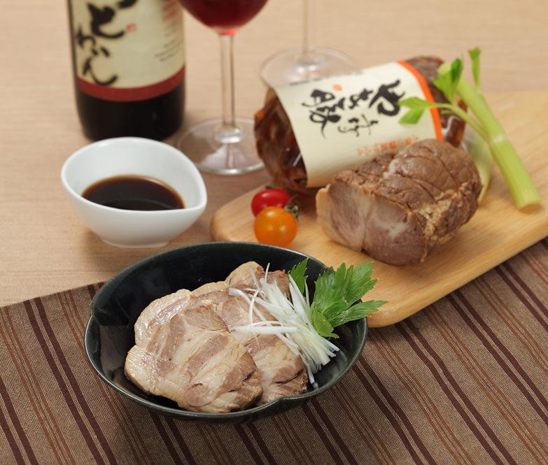 厳選した国産豚を熟成させたジューシーな味わい 手作り焼豚2本入り 焼豚屋本舗・石川県