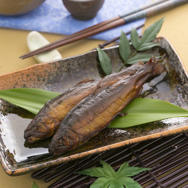 祭りに欠かせない味!伝統の炭火無煙燻製法で鮎本来の香りと旨味をギュっと封じ込めた「焼鮎」を甘さ控えめに煮込みました 焼鮎の四万十煮 四万十生産・高知県