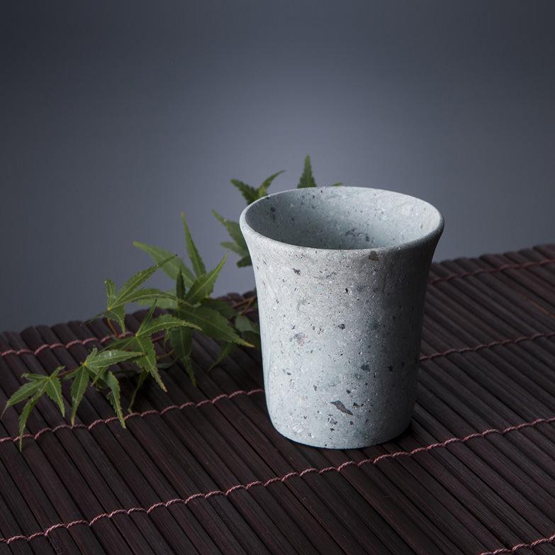 笏谷石で作った ロック酒盃 福井窯業株式会社 福井県 いにしえの時代から福井に伝わる笏谷石で作りました