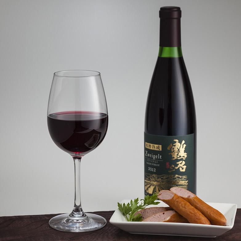 北海道ワインを代表する鶴沼シリーズの木樽熟成タイプ 2012 鶴沼 木樽熟成ツヴァイゲルト 北海道ワイン株式会社・北海道