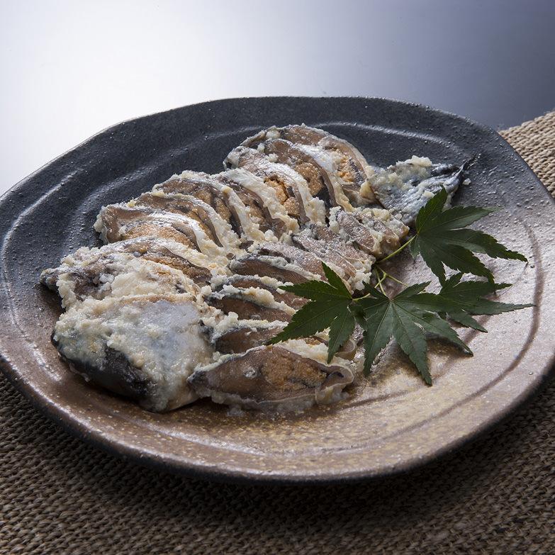 鮒ずしおすすめ_飯魚【 ふなずしスライス 】