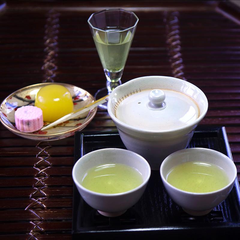 近江茶シリーズ詰め合せG-玉露・品評会茶「家康」 近江銘茶 武久商店 滋賀県 丁寧に手摘みした茶葉を、丹念に仕上げた極上のお茶です。