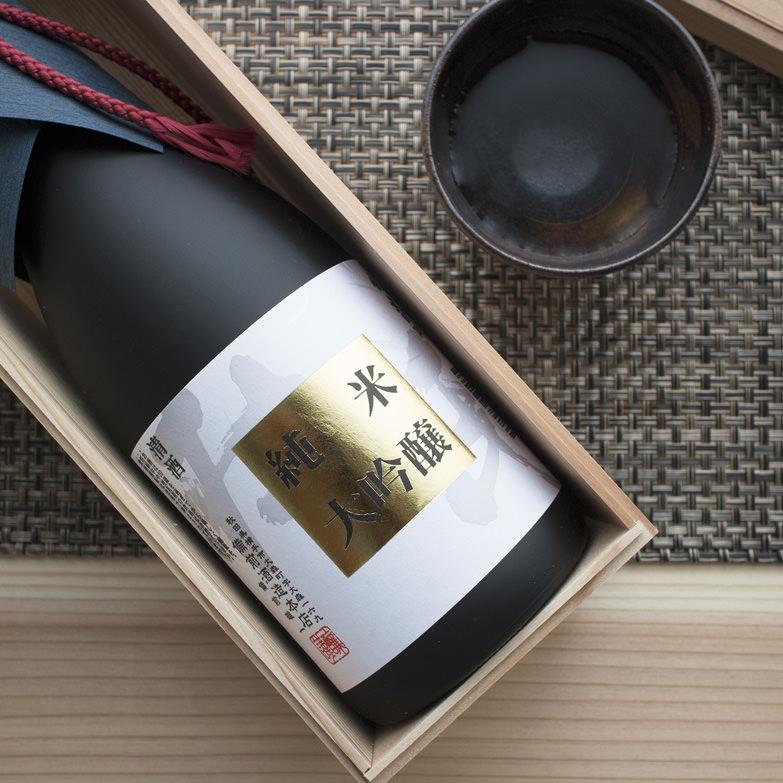 大吟醸純米酒 杜氏 備前酒造本店 秋田県 地元の酒米と天然の仕込み水、蔵付き酵母を使用して醸し上げた地酒の逸品。