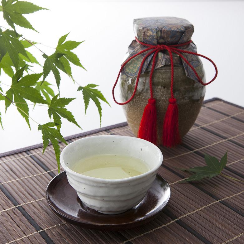 信楽焼茶つぼ入り「煎茶」80g【PC-60】 株式会社山本園 滋賀県 歴代の天皇に献上されてきた日本最古の「朝宮茶」。