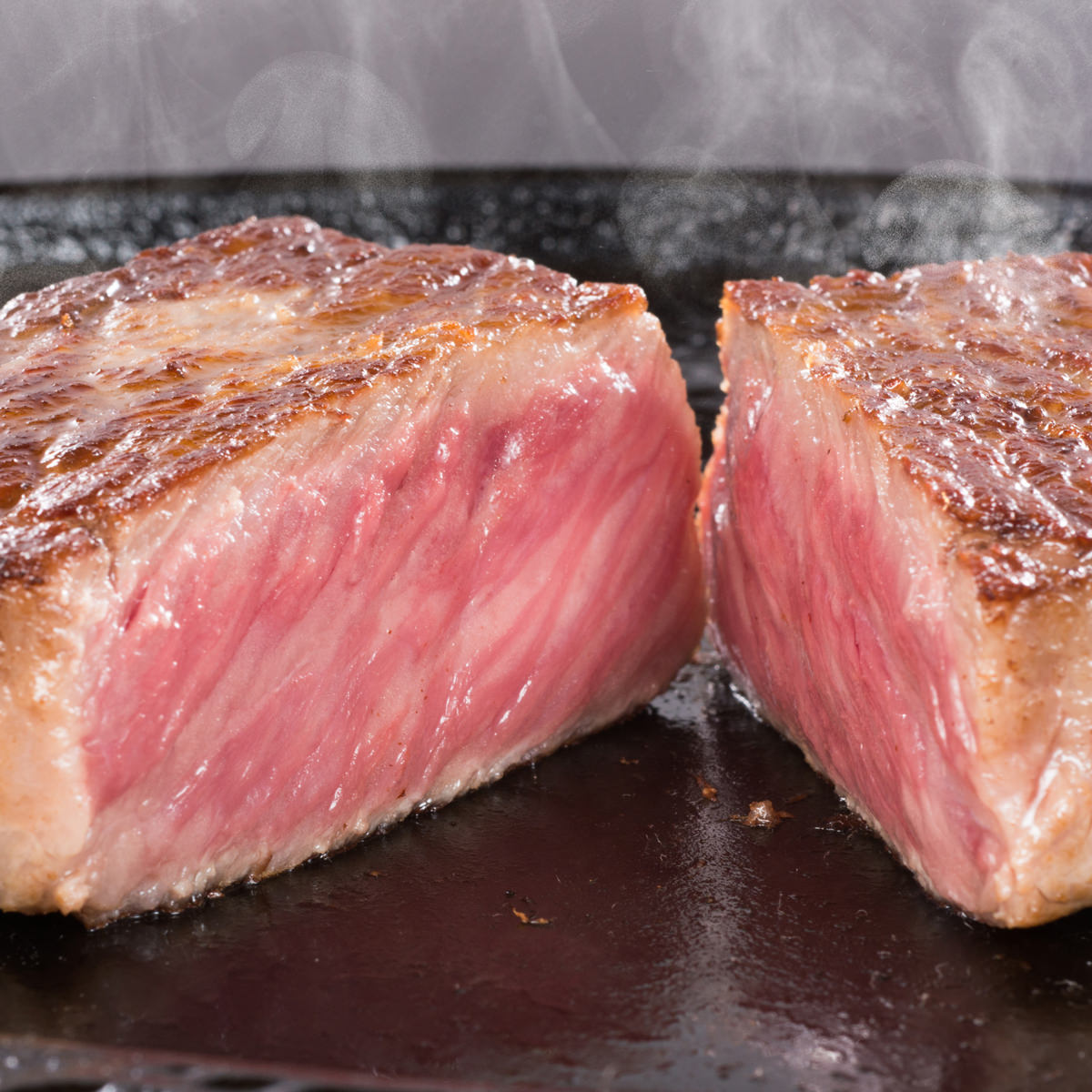 松阪まるよし 松阪牛ロース芯だけステーキ サーロイン〔150g×2枚、牛脂、ステーキ用調味料20g〕三重県