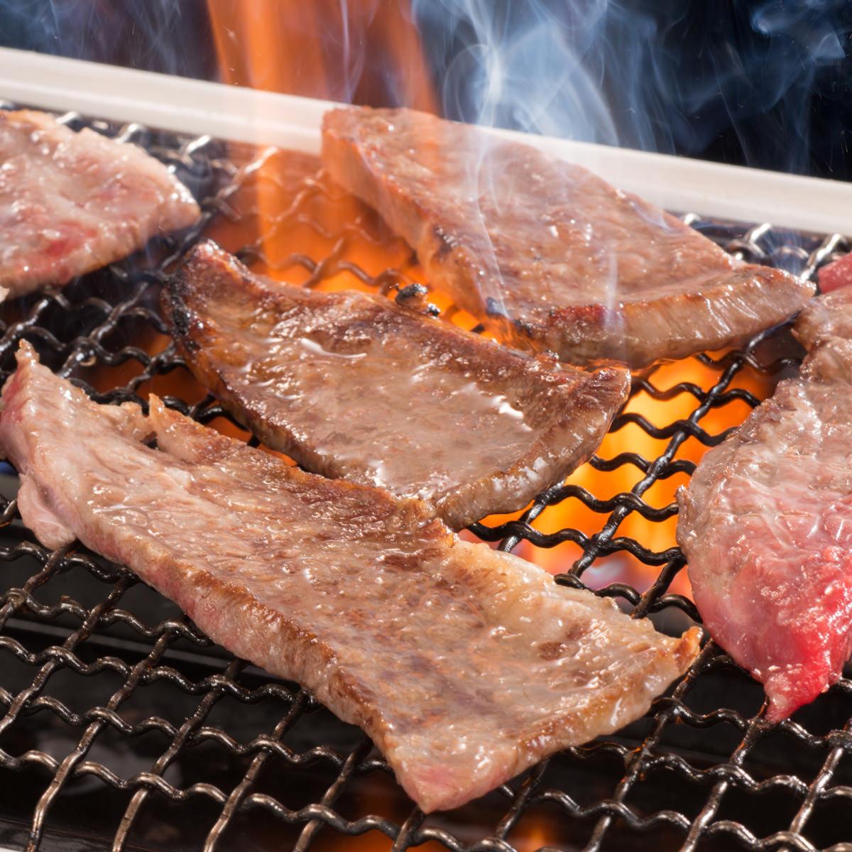 松坂まるよし お祝いやおもてなしにも喜ばれる美味しさ 松阪牛焼肉 肩肉 モモ肉 バラ肉〔200g〕