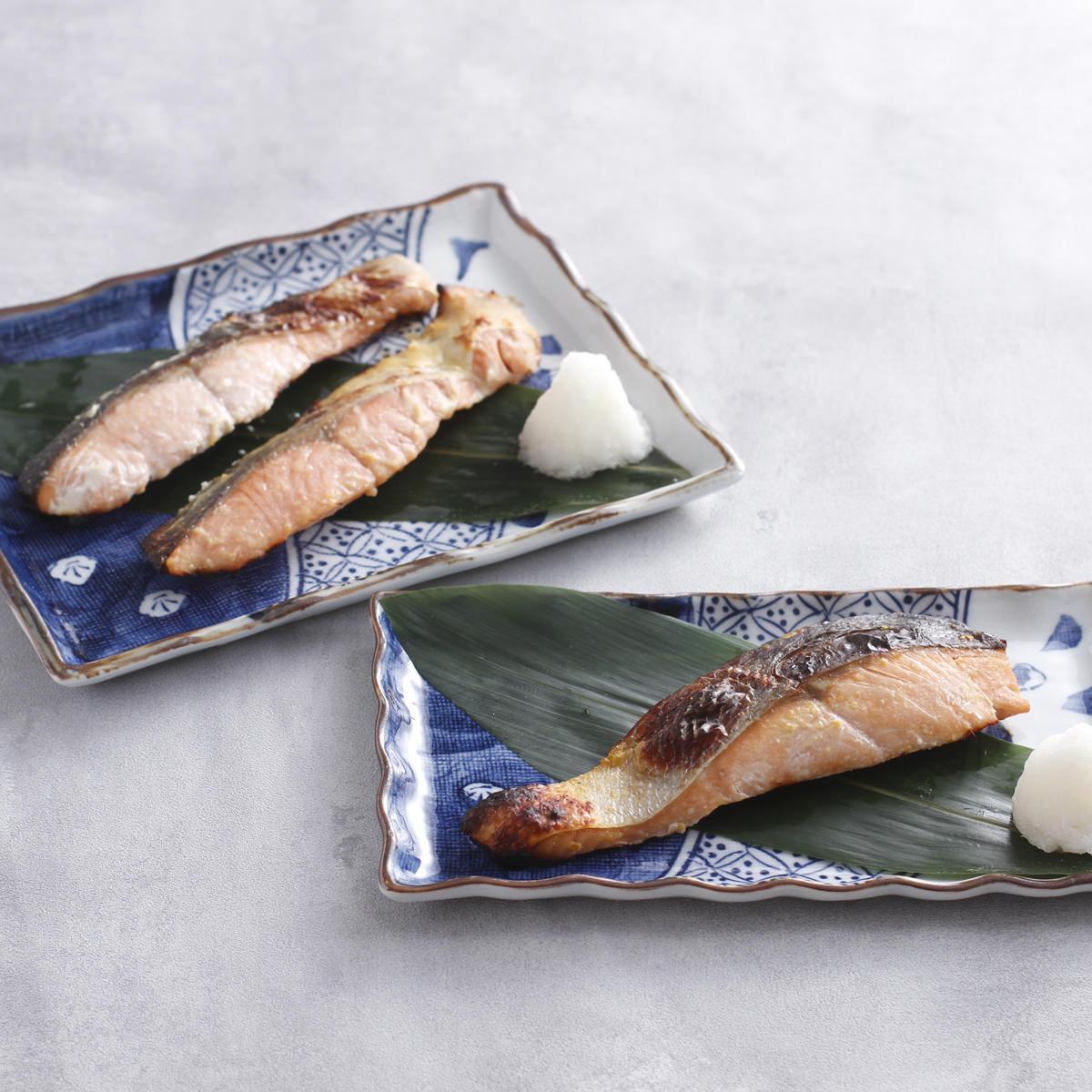 北海道羅臼産 秋鮭漬魚味比べ4種セット〔粕漬・甘味噌漬・明太子漬・西京味噌漬×各2〕