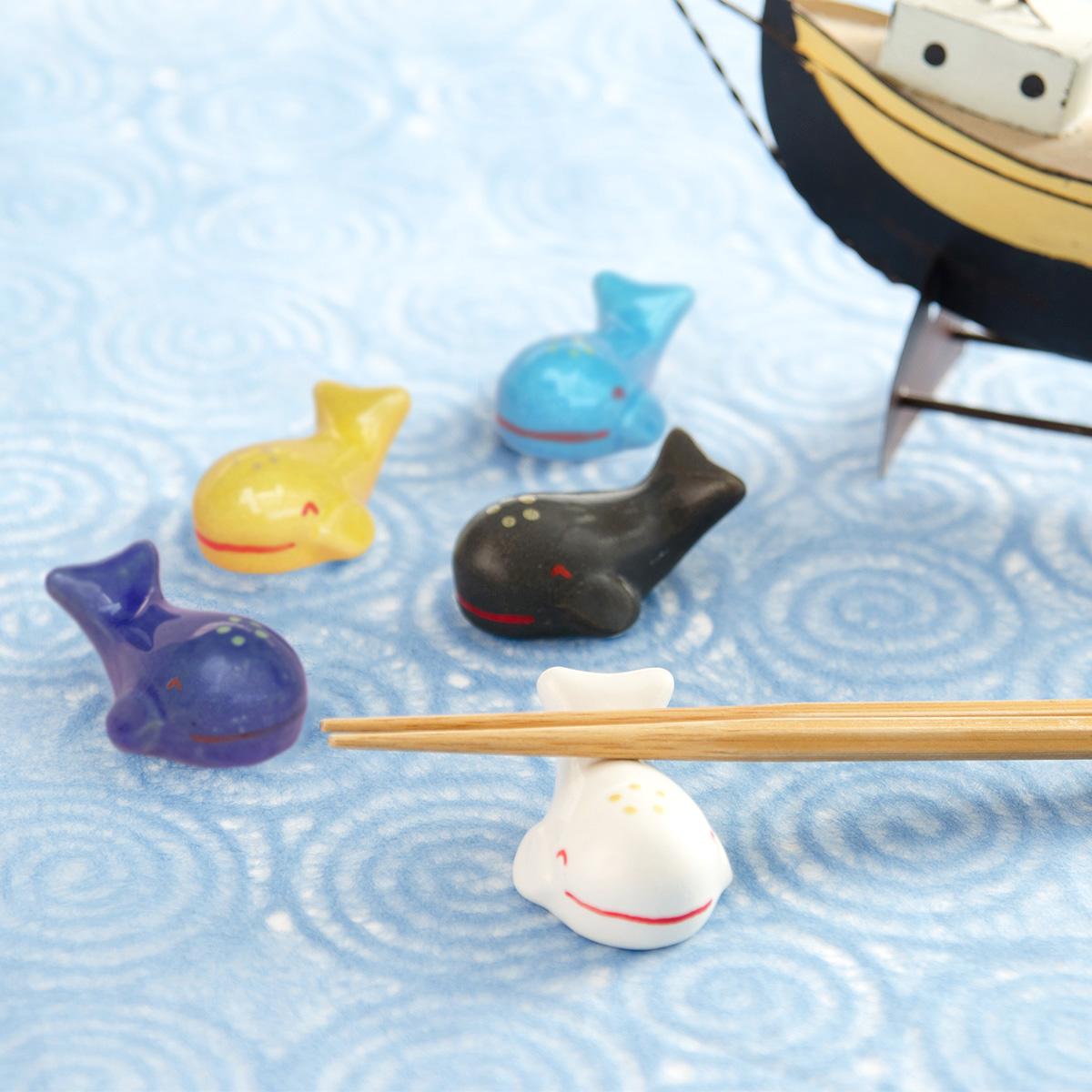 かわいい鯨の家族を食卓に 『くじらの箸置きセット』   抱壷庵・和歌山県
