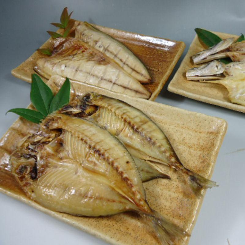 ウエハラ 常温保存できる 骨まで食べる焼き魚〔あじ・かます・サバ×各2枚〕