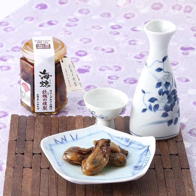 極上の旨みと香りが口いっぱいに広がる〈 海燻 〉牡蠣の燻製オリーブオイル漬け・大瓶 | 牡蠣の家しおかぜ・岡山県