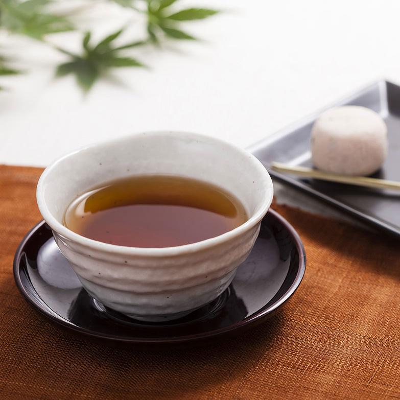 日本一の生産量を誇る青森県産ごぼうを使い、独自製法で開発した機能性食品 黒牛蒡茶 柏崎青果・青森県