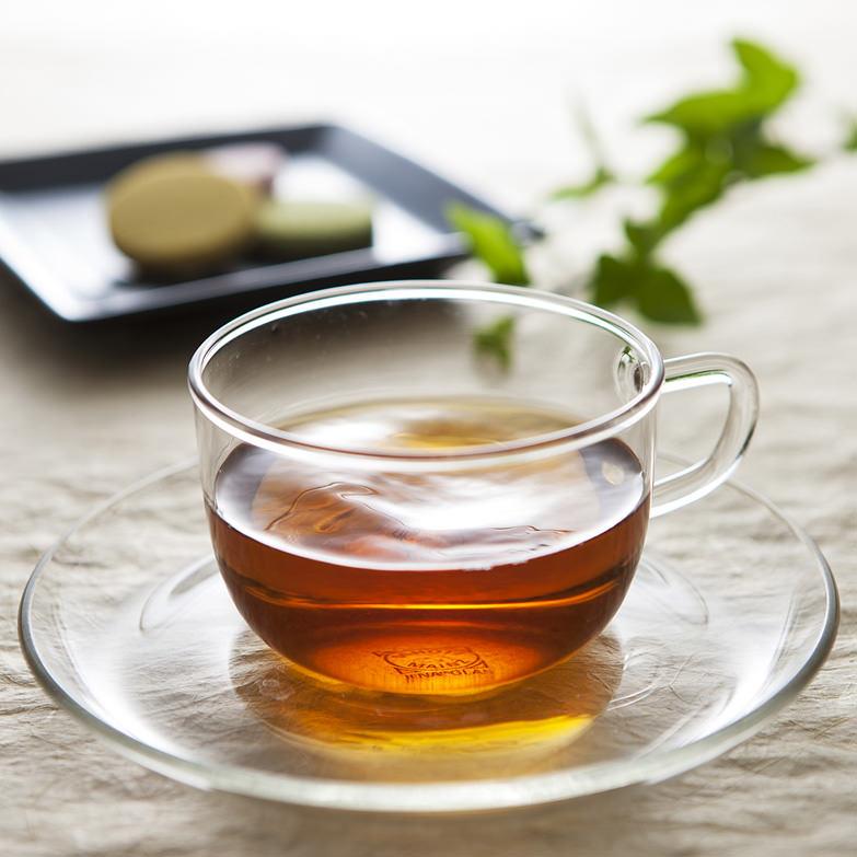 創業以来190年ずっと自然農法で育ててきた茶葉を天日発酵・乾燥させた貴重な天然発酵茶 三河わ紅茶桐箱詰 宮ザキ園・愛知県