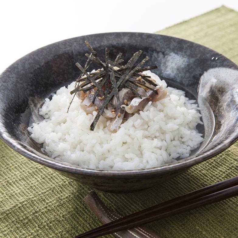 牧島流鯵茶漬け塩味セット 有限会社徳信 長崎県 あつあつご飯にお湯を注ぐだけ。乾燥茶漬けでは味わえない贅沢な味わい
