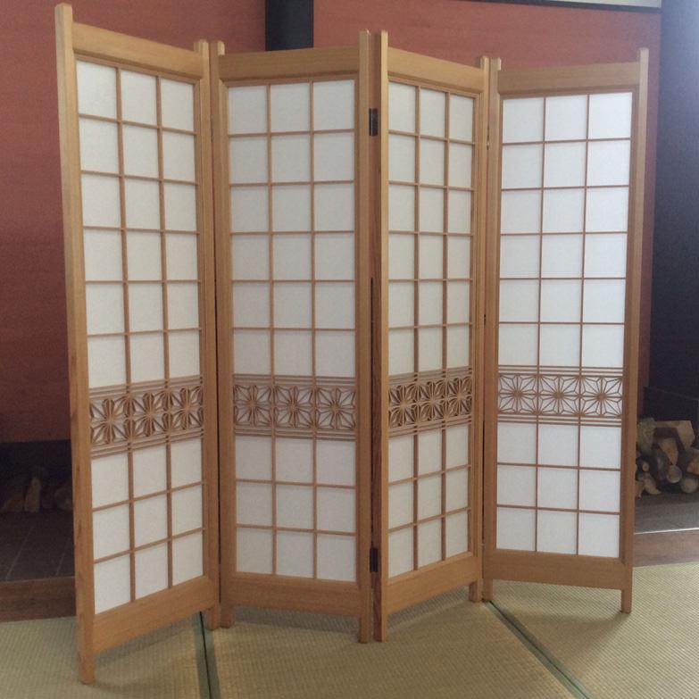 天然秋田杉 組子入りスクリーン 小玉建具店 秋田県 希少な天然秋田杉材を使用し、麻ノ葉模様の組子細工をあしらいました