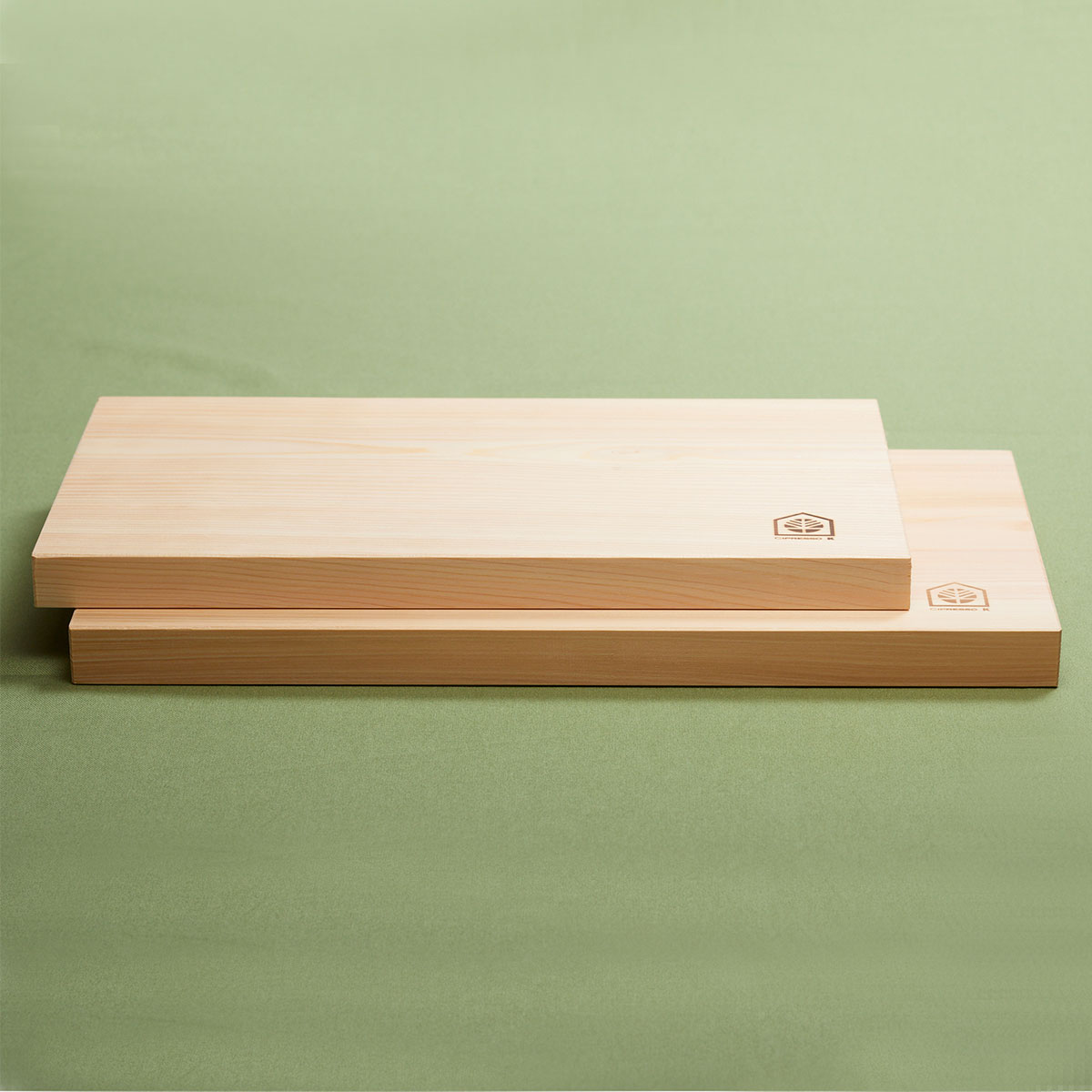 桧まな板(中・小セット)〔中まな板(縦40cm×横21cm×厚2.5cm)、小まな板(縦35cm×横18cm×厚2.1cm)〕