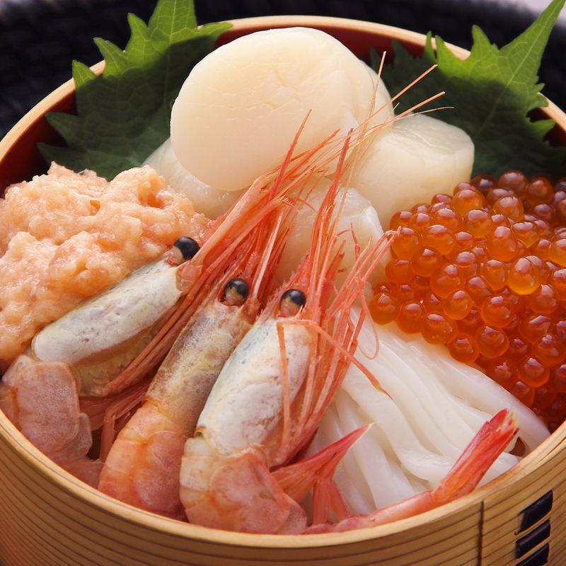 道内産商品限定おうちで海鮮丼セット〔ほたて、ナンバンエビ、お刺身いか、いくら醤油漬け2個、鮭とろ2個〕