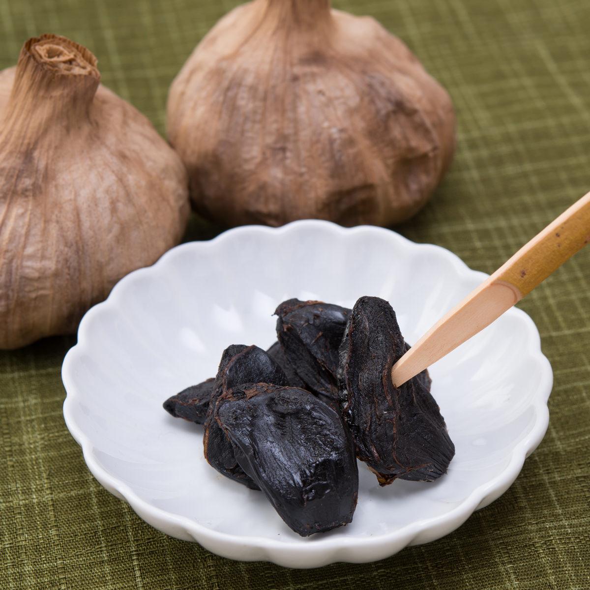 I JAPAN 山梨県の自社農園で熟成したフルーティーな味と食感 甲斐の黒にんにく〔300g〕