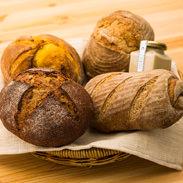 カンパーニュセット カボチャ 秋田県 天然酵母と薪を使った石窯で焼き上げた4種のパンとミルクジャムの詰め合せ