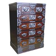 ��60巾 五段二ッ割 ウルシ塗 五城目木工有限会社 秋田県 場所をとらないため和モダンのインテリアとしても活用します