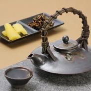 薩摩焼の黒じょか 2盃セット海に浮かぶ桜島をヒントにした焼酎の器 長太郎焼窯元・鹿児島県