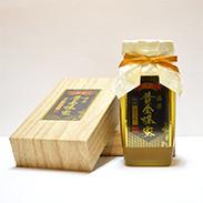 希少な純粋蜂蜜を、手作業で念入りに仕上げました。日本の北国を代表する蜂蜜です。藤原黄金蜂蜜 ゆりの木 藤原養蜂場・岩手県