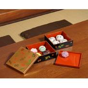 昔の宝物たちと金沢箔が一つになった華麗な伝統工芸品・5.0二段重宝づくし(中皿付) タジマ・石川県