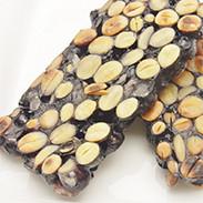 豆つなぎ餅(黒豆) 有限会社加賀かきもち丸山 石川県 噛めば噛むほどに味が出る、黒豆ぎっしりの餅でつないだお菓子