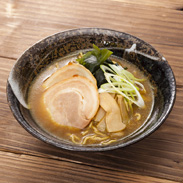 30年以上、室蘭市民に愛されてきた「第4の北海道ラーメン」 室蘭地球岬カレーラーメン6袋12食 株式会社室蘭製麺・北海道