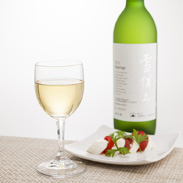 日本ワインコンクール銀賞など多数の受賞歴を誇る 2016雪摘みケルナー 北海道ワイン株式会社・北海道