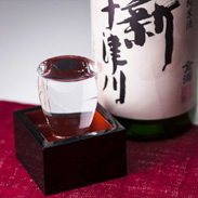 特別純米酒 新十津川 金滴酒造株式会社 北海道  「酒米の里」と言われる新十津川町産の風土や自然の中で作った名酒