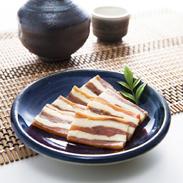 鮭とチーズのミルフィーユ マ印神内商店 北海道 知床・標津の秋鮭と別海町のチーズのコラボ、特産品コンテスト全国最高賞を受賞