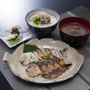ふなずし欲ばりセット 飯魚 滋賀県 希少な琵琶湖固有種ニゴロブナで作った鮒ずしの魅力を堪能できる5品の詰め合わせ。