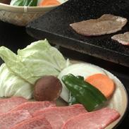 前沢牛焼肉詰め合わせ 有限会社前沢牛オガタ 岩手県 全国肉用牛枝肉共励会で幾度も授賞の栄誉に輝く「肉の芸術品」前沢牛を堪能できるセット。