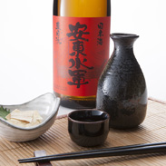 特別純米酒「安東水軍」 尾崎酒造株式会社 青森県 世界自然遺産・白神山地の麓にある老舗酒蔵が造ったこだわりの地酒。[特別純米酒]