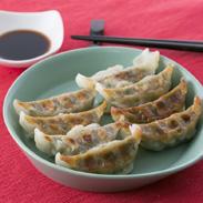一本釣りかつお餃子 有限会社和 高知県 タタキでも食べられる新鮮なかつおを贅沢に使った高知ならではのシーフード餃子。