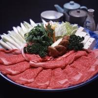 松阪まるよし お祝いやおもてなしに確かな品質のブランド肉を 松阪牛すき焼き ロース肉 肩ロース肉 牛脂付き〔200g〕