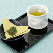色鮮やかなグリーンと、やさしく香る〈つゆひかり〉 | 株式会社赤堀商店・静岡県