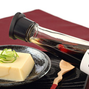 いつもの醤油を極上醤油に! 飛魚醤油の素 | 株式会社 冨喜 食品事業部MANANIオリジナル・長崎県