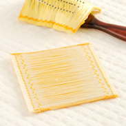 ブラシに付けて梳かすだけ シルクの力で髪つやに シルクヘアーブラシカバー | シルク工房GM・群馬県