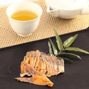 高級品 琵琶湖産の貴重な 発酵食品〈 子持ちにごろ鮒寿しスライス 〉 | 有限会社鮒味・滋賀県