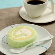 ふわふわスポンジ とろけるWクリームの極上スイーツ〈 メロンロール 〉 | 扇屋製菓・静岡県