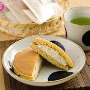 もちもちの中は濃厚クリーム餡たっぷり〈 もち・de・ら 〉5ヶセット   秀清堂・愛知県