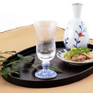 伝統工芸が和洋の空間を自然につなぐ〈 冷酒グラス 〉染付ペイズリー | 清峰堂株式会社・石川県