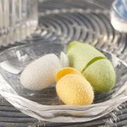 シルク成分でお肌美しく 手作りで安心〈 化粧水用繭 〉MIX | 有限会社アルマ・福島県