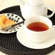 嬉野茶葉を使用した 日本人にぴったりの紅茶 うれしの和紅茶 リーフ 山輝園 佐賀県〔リーフ:80g〕