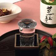 ほのかな檜の香り飽きのこない純米酒〈 せきやど正宗・たる酒 〉720ml(四合入瓶) | 有限会社フルヤ・千葉県