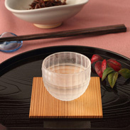 ほのかな檜の香り飽きのこない純米酒〈 せきやど正宗・たる酒 〉1800ml(一升瓶) | 有限会社フルヤ・千葉県