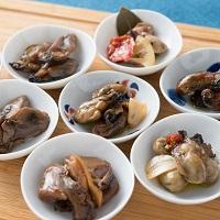 牡蠣の家しおかぜ 海組の八〔牡蠣の燻製オリーブオイル漬け・牡蠣と野菜のピクルスほか全9種〕